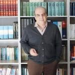 عباس عبدی: گاهی ۴۰میلیون از ٣هزار میلیارد بزرگتر است/ احمدی نژاد با وضعیت فعلی قیمت نفت در انتخابات هیچ است