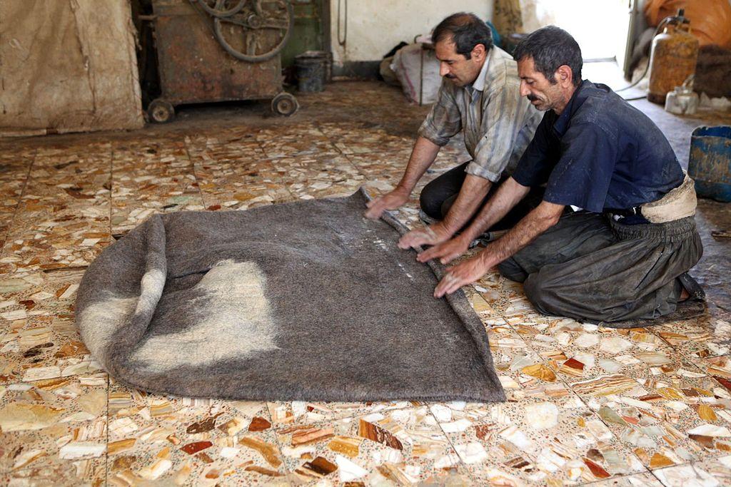 Making_a_felt_robe_for_Bakhtiari_shepherds