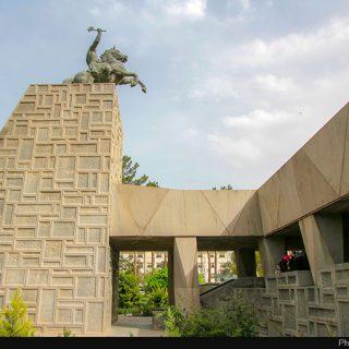 موزه+و+مقبره+نادر+شاه+افشار+از+جاذبه+های+گردشگری+شهر+مشهد